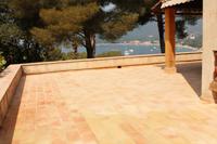 Carrelage rectangulaire en terre cuite - Fabrication artisanale au feu de bois